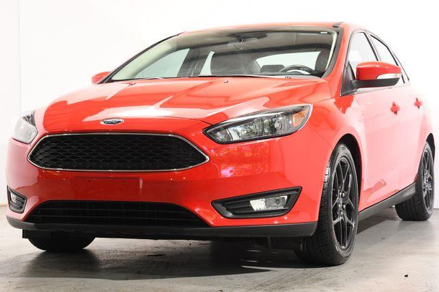 The 2016 Ford Focus SE photos
