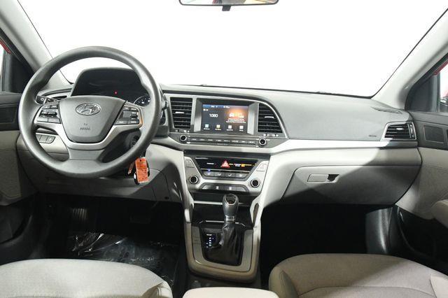2017 Hyundai Elantra SE w/ Tech photo