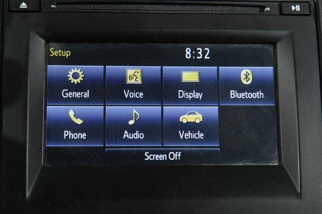 2016 Toyota Camry SE photo