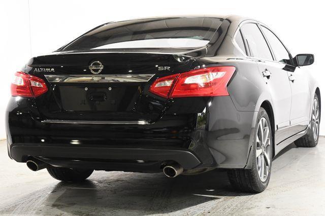 2016 Nissan Altima 2.5 SR photo