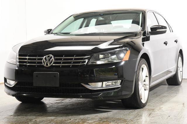 The 2013 Volkswagen Passat TDI SEL Premium photos