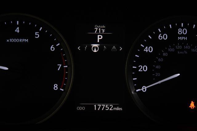 2016 Lexus IS age photo