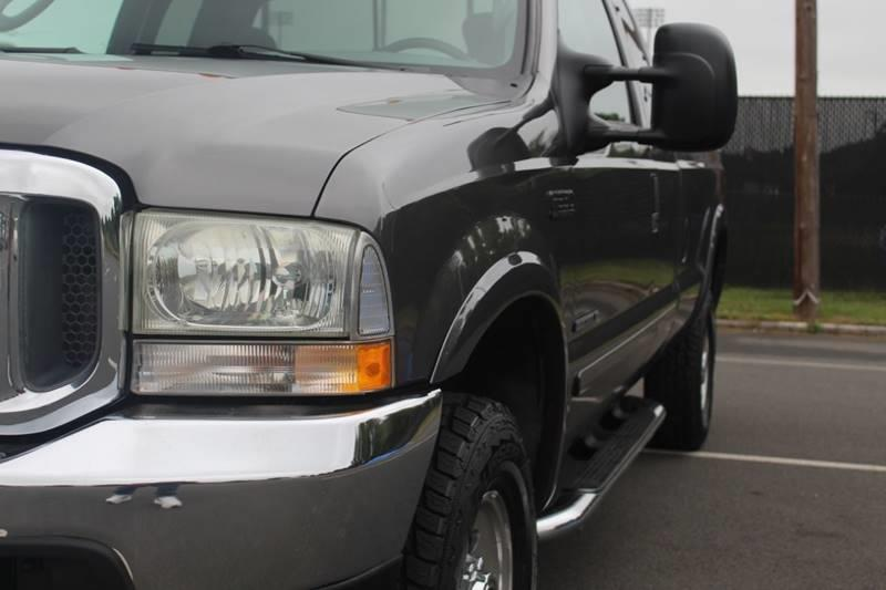 Used Ford F-350 Super Duty XLT 4dr SuperCab 4WD LB 2003 | Sphinx Motorcars. Waterbury, Connecticut