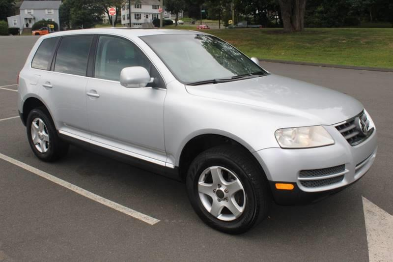 Used Volkswagen Touareg V6 AWD 4dr SUV 2006 | Sphinx Motorcars. Waterbury, Connecticut