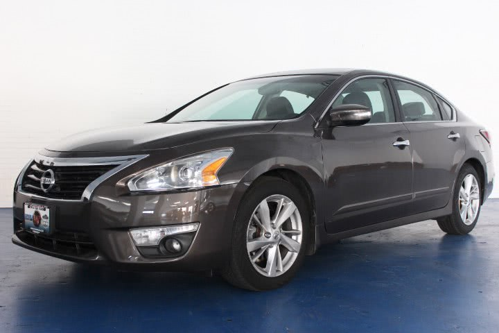 Used 2013 Nissan Altima in Newark , New Jersey | Icon World LLC. Newark , New Jersey