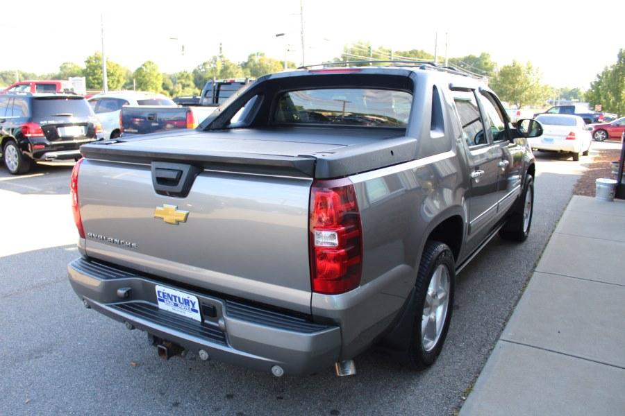 Used Chevrolet Avalanche 4WD Crew Cab LTZ 2012 | Century Auto And Truck. East Windsor, Connecticut