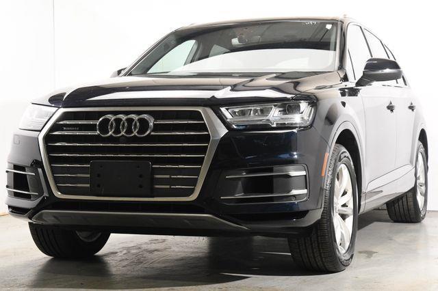 The 2017 Audi Q7 Premium Plus w/ Virtual Cockpi photos