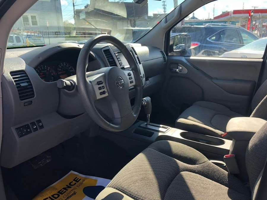 Used Nissan Frontier Crew Cab 4x4 SV Auto 2019   Cars Off Lease . Elmont, New York