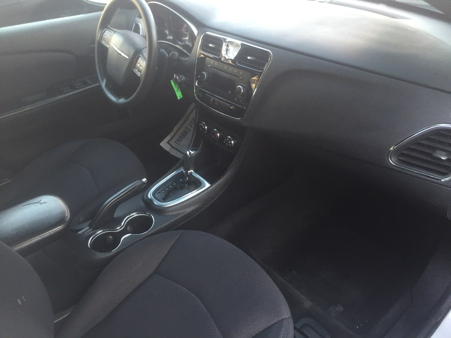 Used Chrysler 200 4dr Sdn LX 2012 | Middle Village Motors . Middle Village, New York