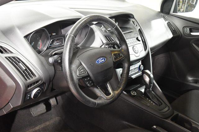2015 Ford Focus SE photo