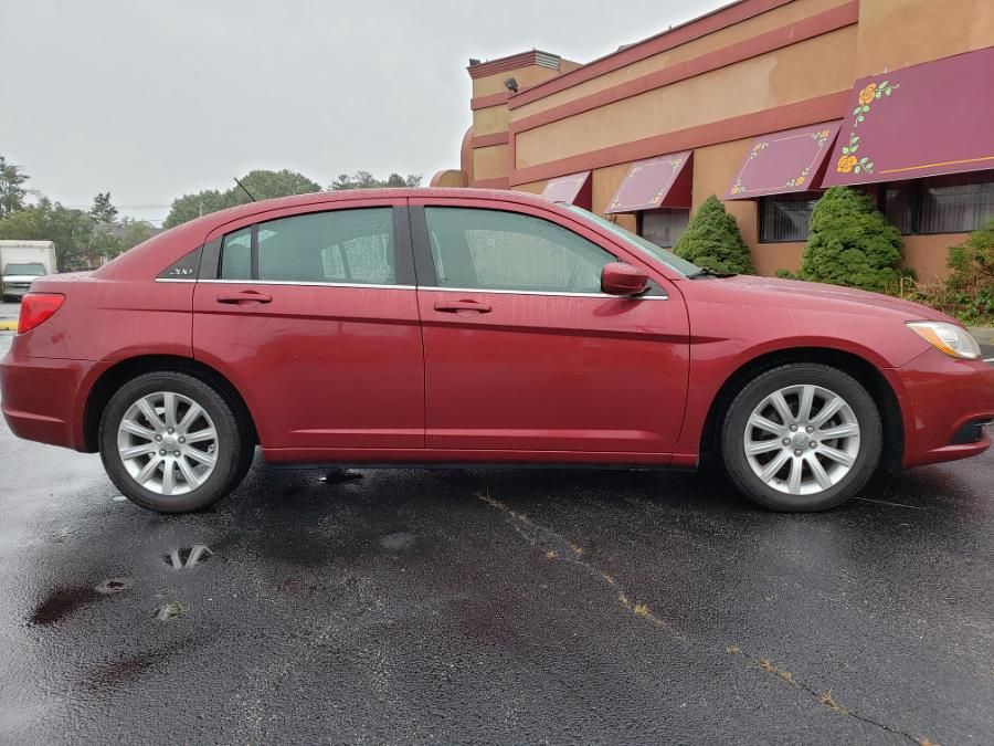 Used Chrysler 200 4dr Sdn Touring 2014 | Ultimate Auto Sales. Hicksville, New York