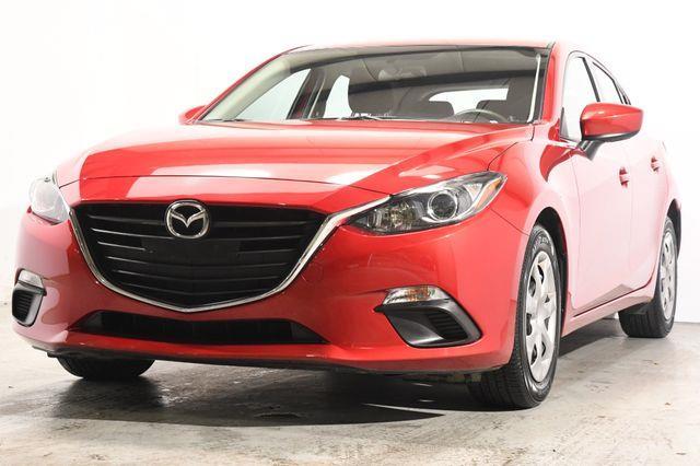 The 2016 Mazda Mazda3 i Sport photos