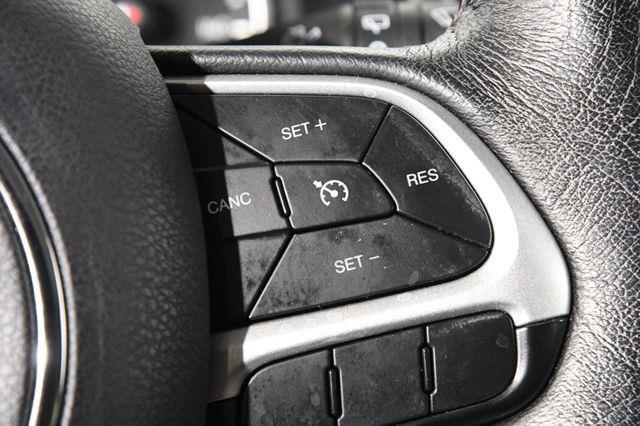 2015 Jeep Renegade Latitude photo
