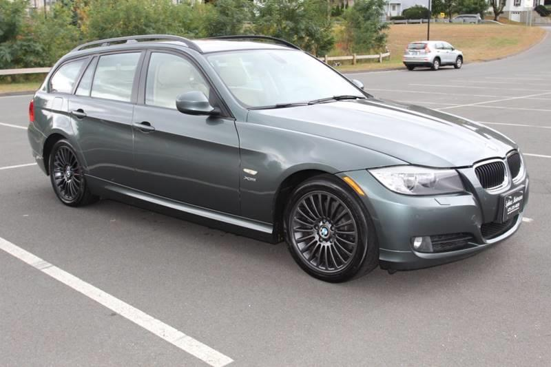 Used BMW 3 Series 328i xDrive AWD 4dr Wagon 2010 | Sphinx Motorcars. Waterbury, Connecticut