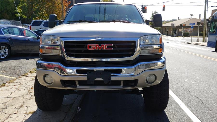 "2006 GMC Sierra 2500HD Crew Cab 153"" WB 4WD SLE1, available for sale in Ansonia, CT"