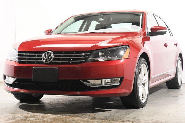 The 2015 Volkswagen Passat 2.0L TDI SEL Premium photos