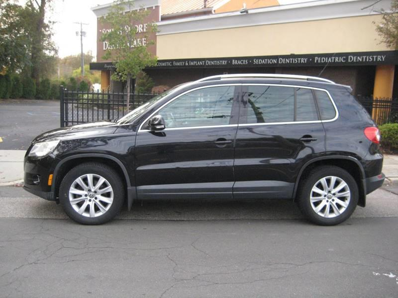 Used Volkswagen Tiguan SE 4Motion 4dr SUV 6A 2010 | Rite Choice Auto Inc.. Massapequa, New York