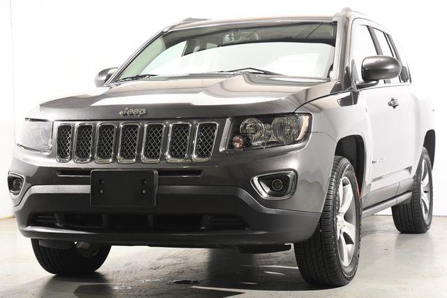 The 2016 Jeep Compass High Altitude Edition photos