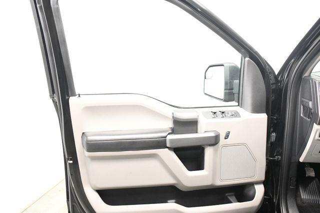 2016 Ford F-150 XLT w/ Heated Seats/ Sunroof / photo