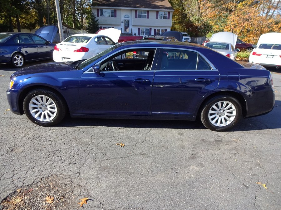 Used Chrysler 300 4dr Sdn RWD 2013 | Mint Auto Sales. Islip, New York