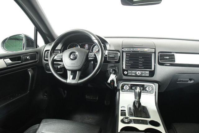 2017 Volkswagen Touareg Wolfsburg Edition photo