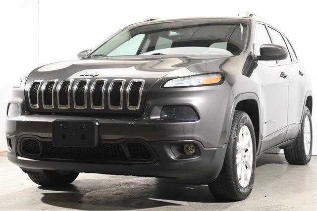 The 2015 Jeep Cherokee Latitude photos