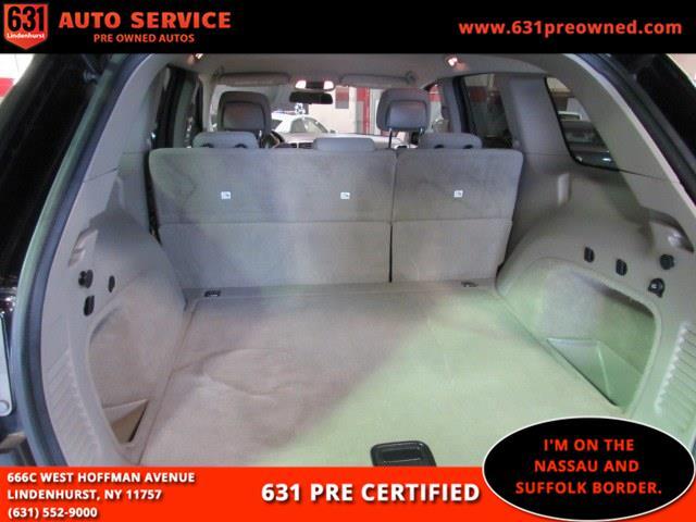 Used Jeep Grand Cherokee RWD 4dr Laredo 2011 | 631 Auto Service. Lindenhurst, New York