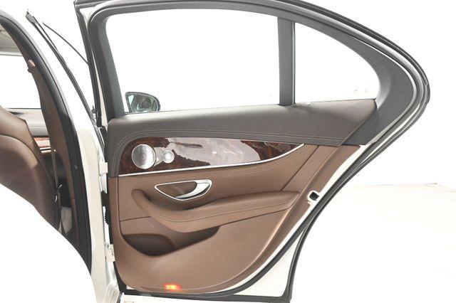 2017 Mercedes-Benz E 300 Luxury w/ Nav/ Blind Spot/ Saf photo