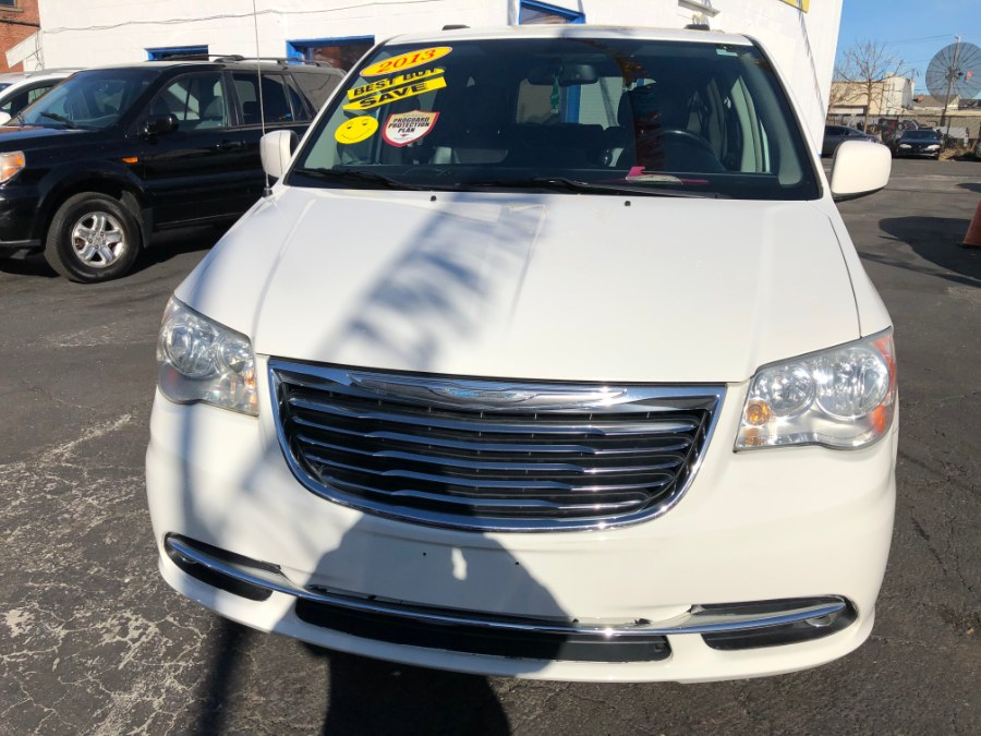 Used Chrysler Town & Country 4dr Wgn Touring 2012 | Affordable Motors Inc. Bridgeport, Connecticut
