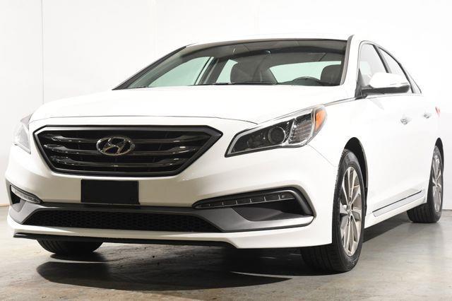 The 2017 Hyundai Sonata Sport photos