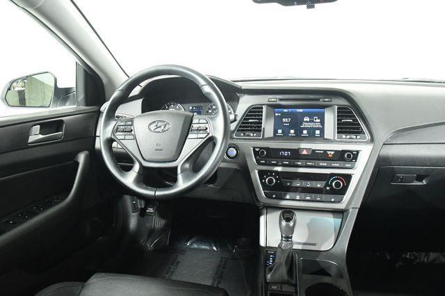 2017 Hyundai Sonata Sport photo