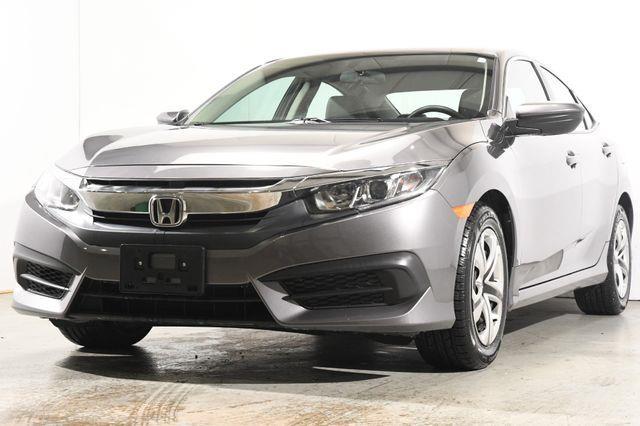 The 2017 Honda Civic LX photos