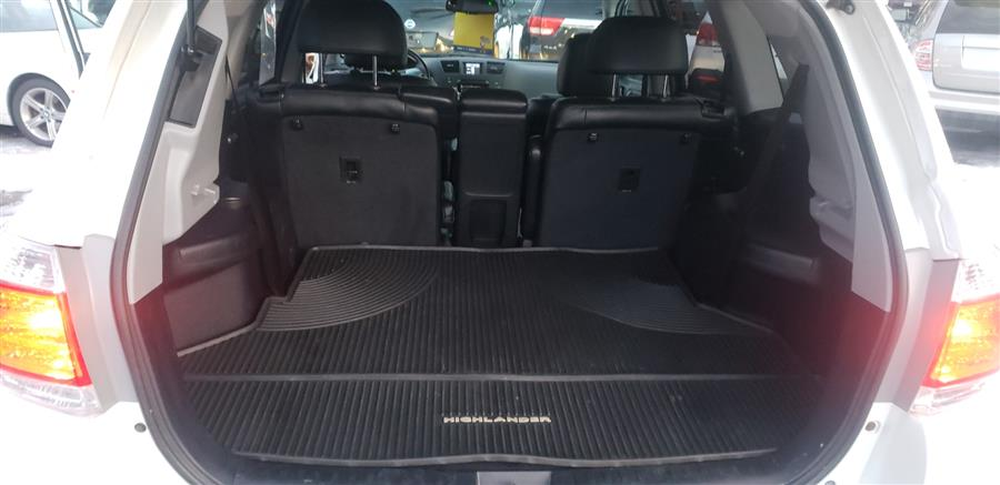 Used Toyota Highlander 4WD 4dr V6 (Natl) 2012 | Absolute Motors Inc. Springfield, Massachusetts