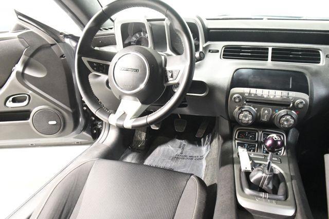 2011 Chevrolet Camaro LT photo