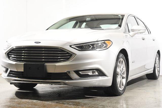 The 2017 Ford Fusion Energi SE photos