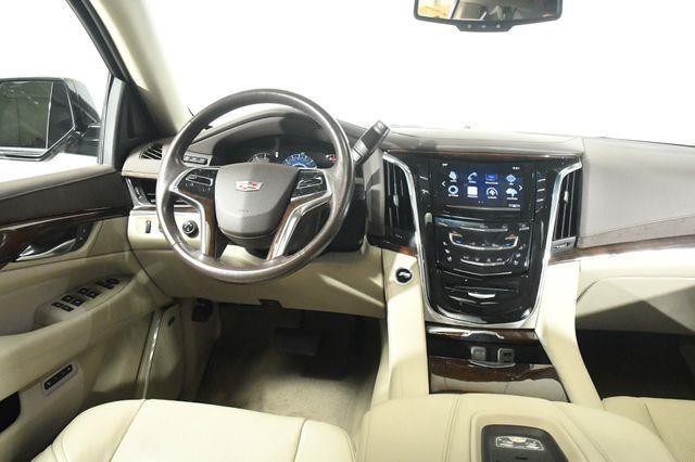 2016 Cadillac Escalade ESV Luxury Collection DVD photo