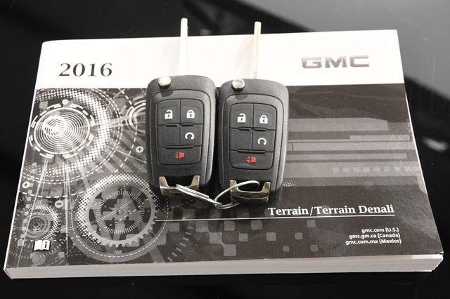 2016 GMC Terrain SLE-2 w/ Nav / Sunroof photo