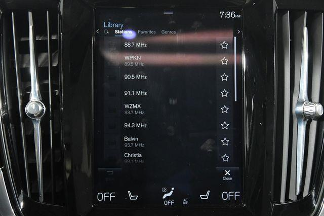 2017 Volvo S90 Inscription photo
