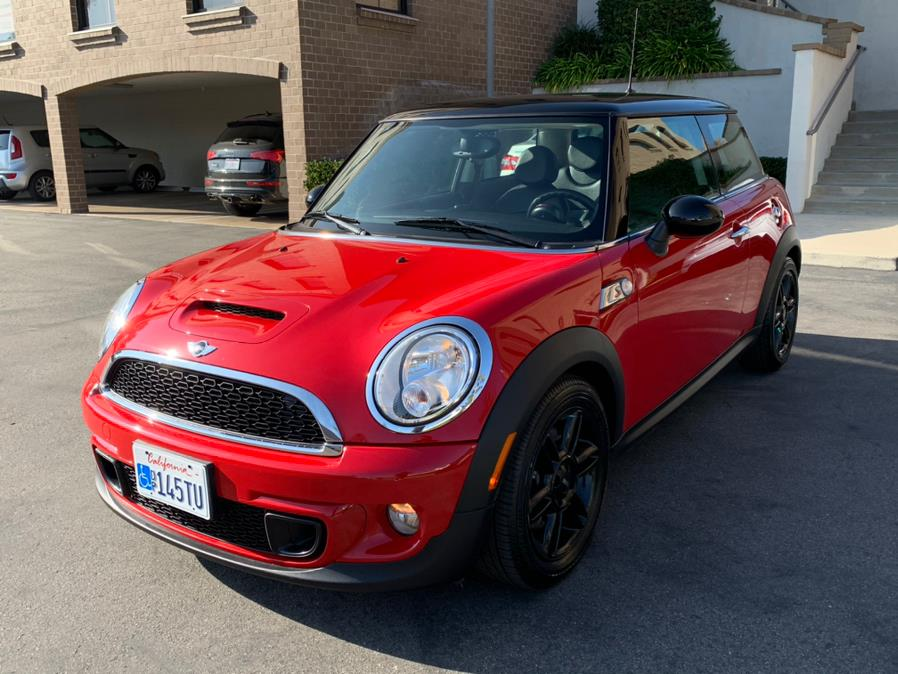 Used MINI Cooper Hardtop 2dr Cpe S 2012 | Carvin OC Inc. Lake Forest, California