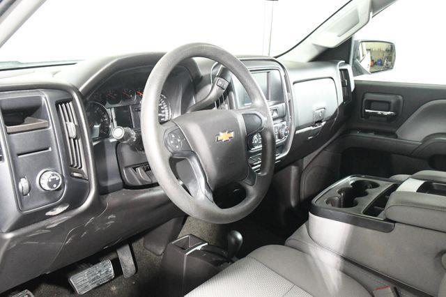 2016 Chevrolet Silverado 1500 Custom photo