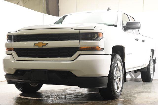 The 2016 Chevrolet Silverado 1500 Custom photos