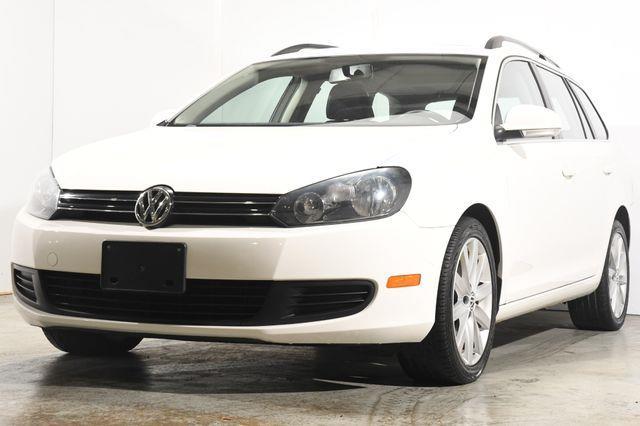 The 2012 Volkswagen Jetta SportWagen TDI photos