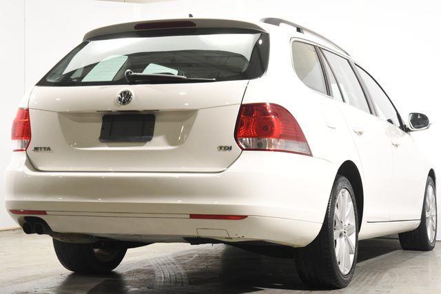 2012 Volkswagen Jetta SportWagen TDI photo