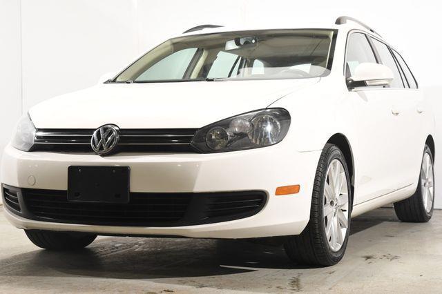 The 2013 Volkswagen Jetta SportWagen TDI photos