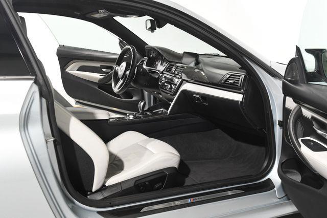 2015 BMW M4 Coupe photo