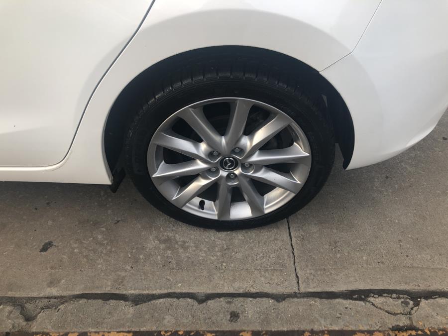 Used Mazda Mazda3 5-Door Touring Auto 2017 | Sylhet Motors Inc.. Jamaica, New York