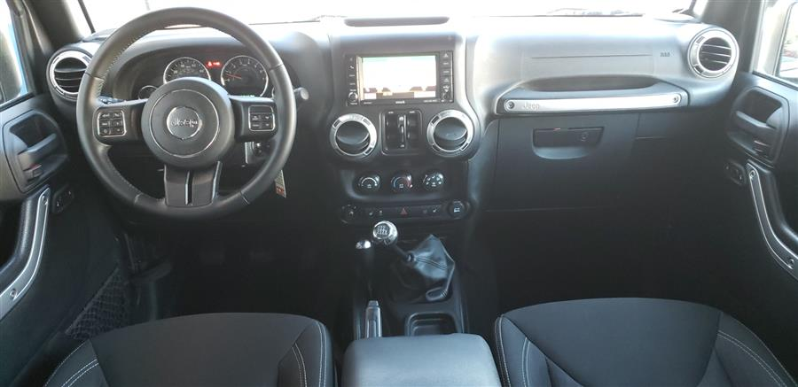Used Jeep Wrangler Unlimited 4WD 4dr Sahara 2016 | National Auto Brokers, Inc.. Waterbury, Connecticut