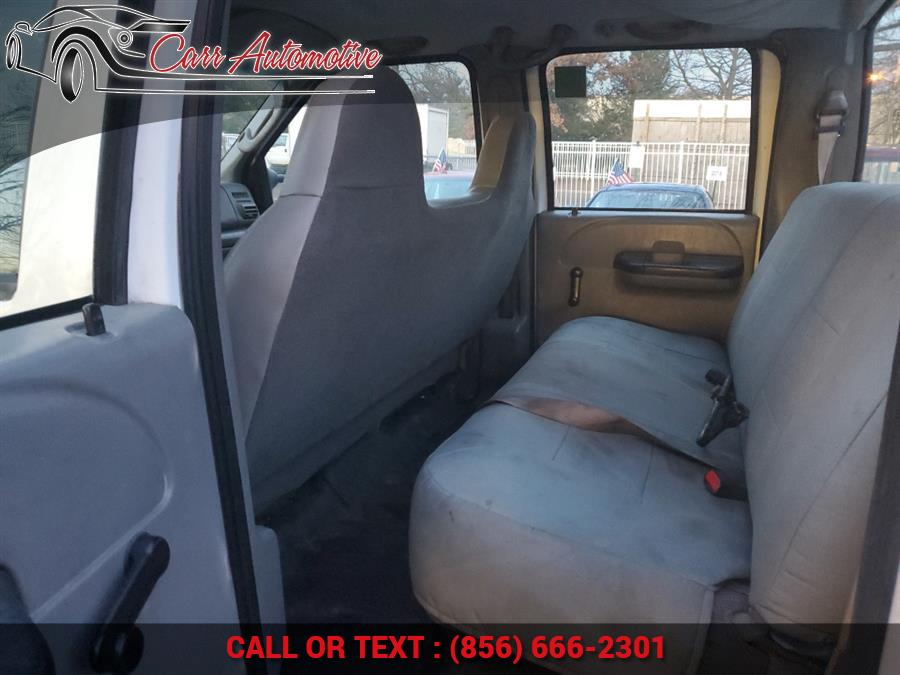 "Used Ford Super Duty F-350 SRW Crew Cab 156"" Lariat 2006 | Carr Automotive. Delran, New Jersey"