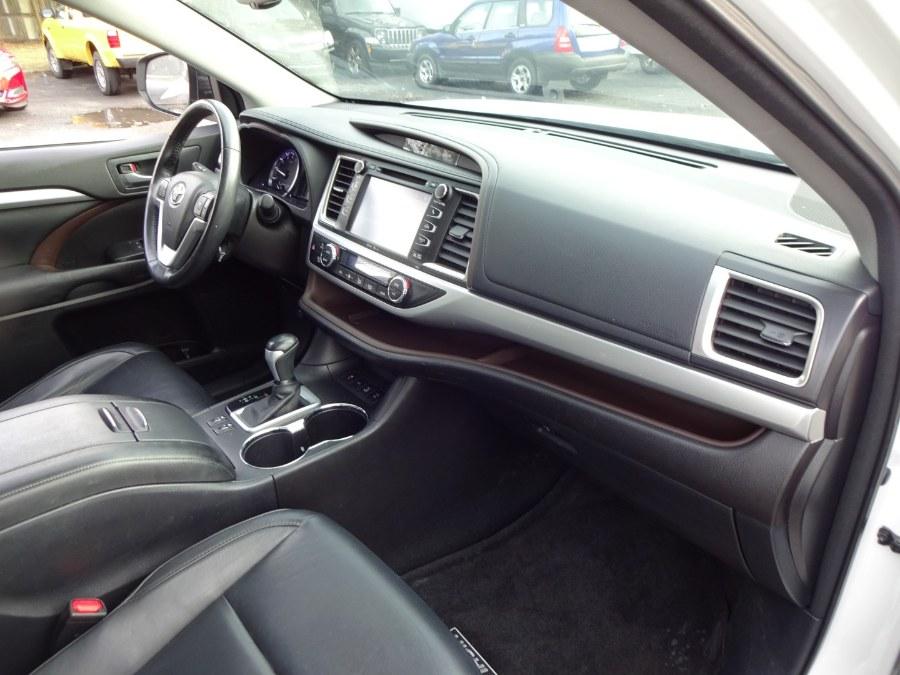 Used Toyota Highlander AWD 4dr V6 XLE (Natl) 2015 | Mint Auto Sales. Islip, New York