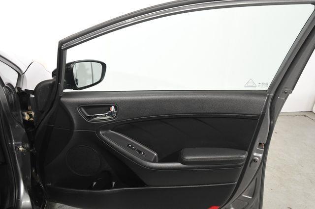 2015 Kia Forte 5-Door SX photo